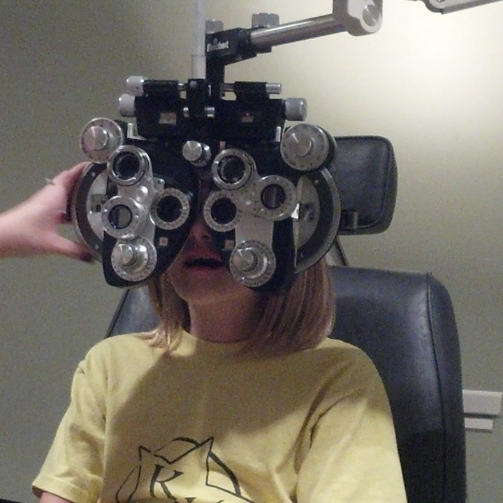 Regular eye check-ups make sure that my eyes are healthy.